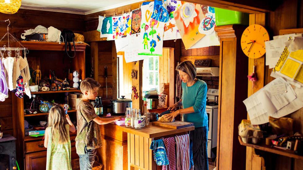 morning-kitchen-scene-josie-gritten-phot