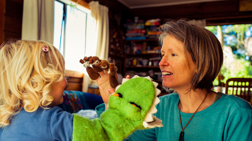 mum-plays-with-child-josie-gritten-photo