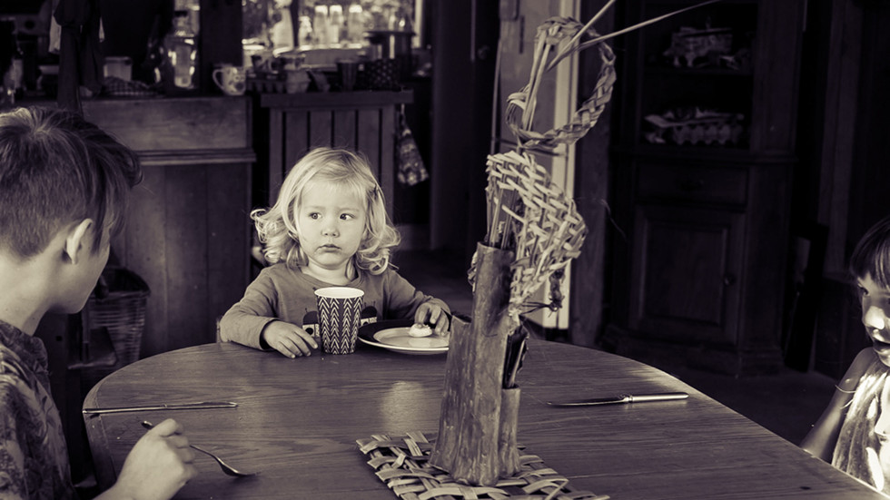 brother-sister-at-table-look-josie-gritt