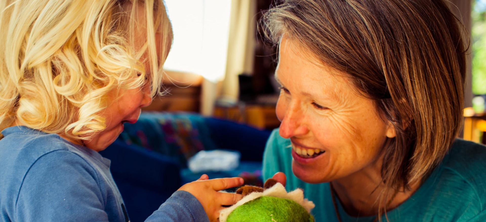 mum-daughter-play-puppets-josie-gritten-