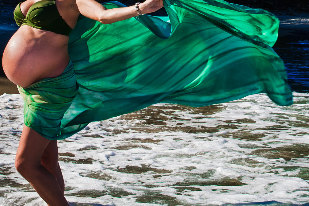 Green fabric bump shoot Maternity beach shoot in Mangawhai by Josie Gritten Photography