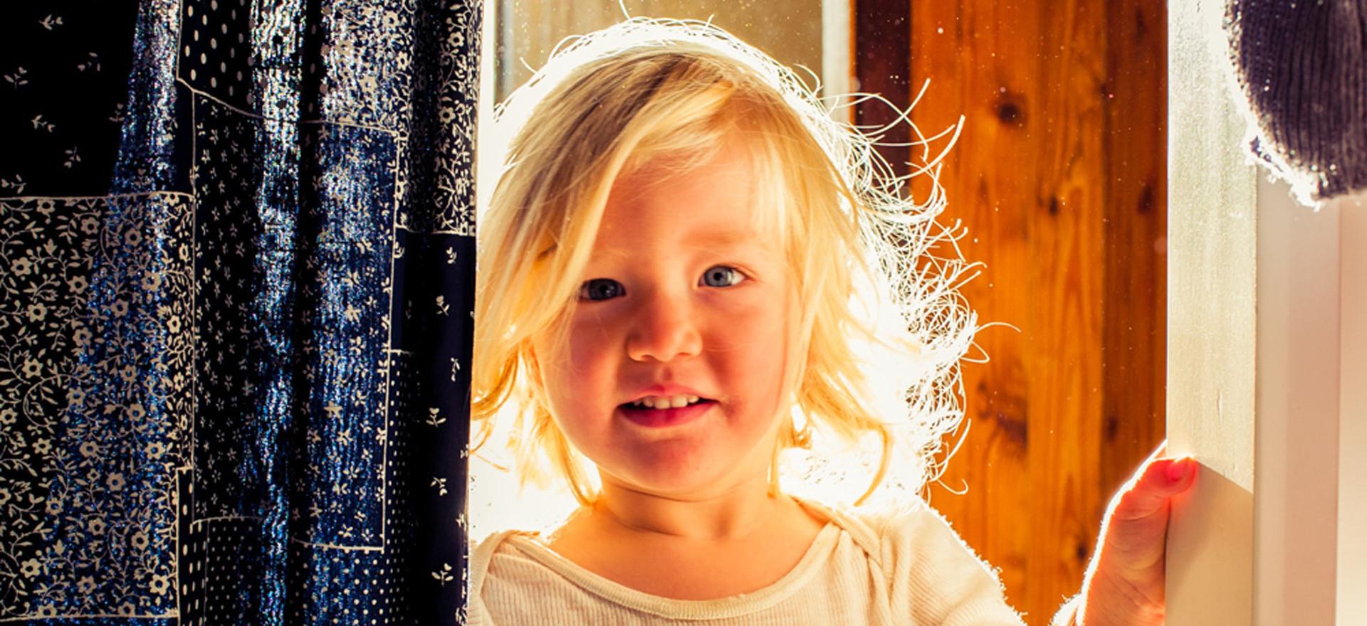 morning-halo-of-light-on-toddler.jpg