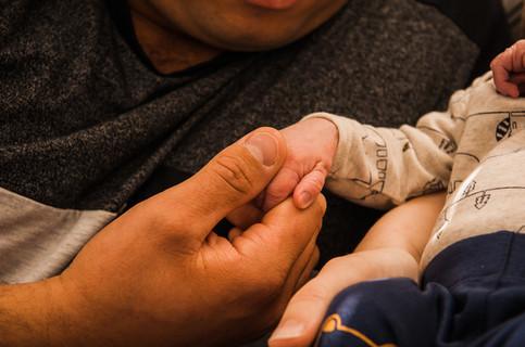 dad-baby-hold-hands-josie-gritten.jpg