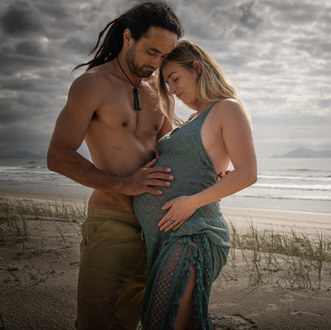 Couple Maternity beach shoot in Mangawhai by Josie Gritten Photography