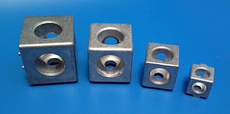 Conector cúbico compatible perfil Bosch ®