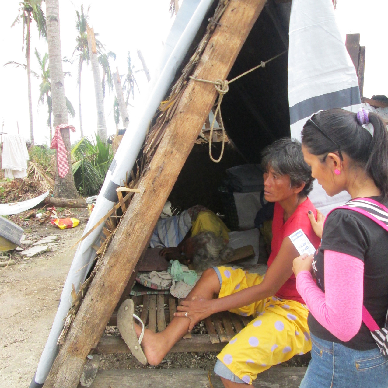 7_Our_Work_Community_Services_2013_Typhoon_Haiyan_IMG_0253