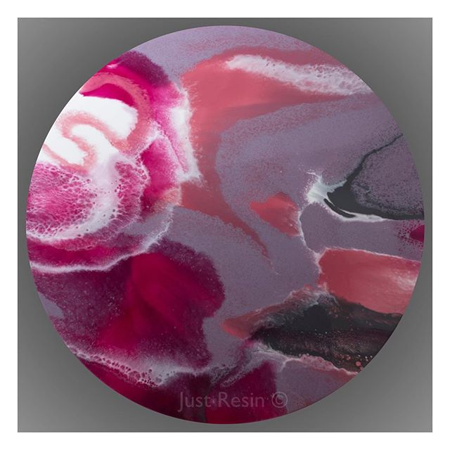 One Rose - Resin Art - Round