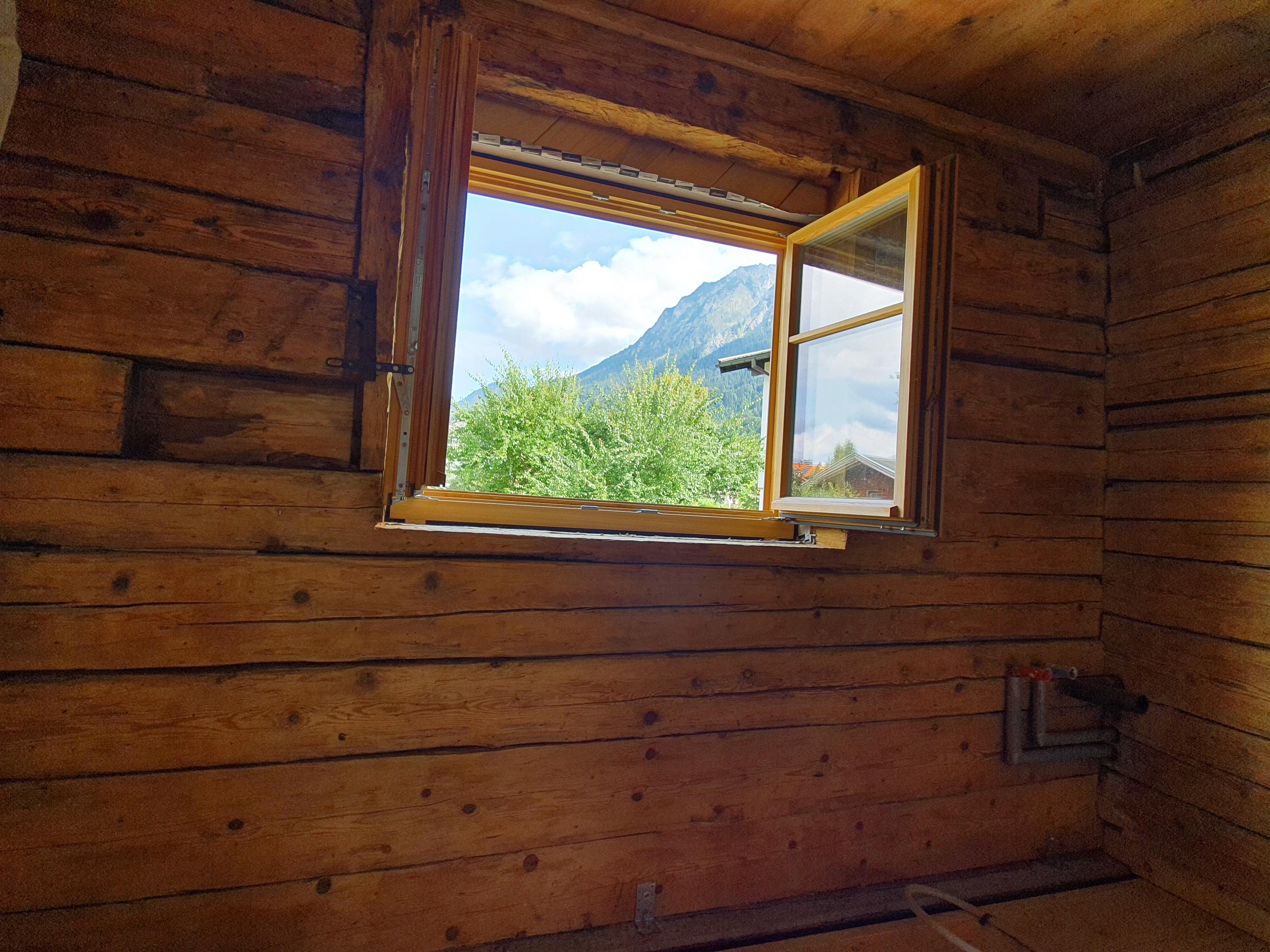 Blick_durchs_Küchenfenster
