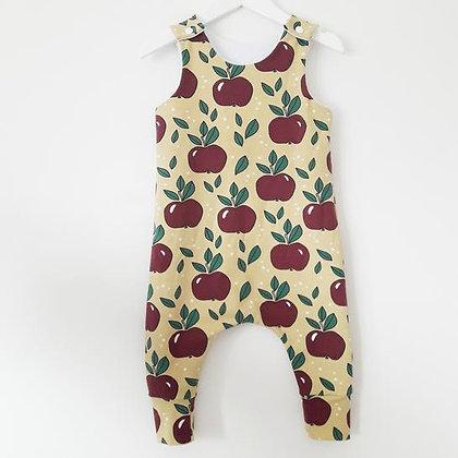 Macacão 'Jummy Apples'