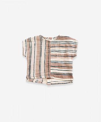 Camisa em tecido com abertura nas costas