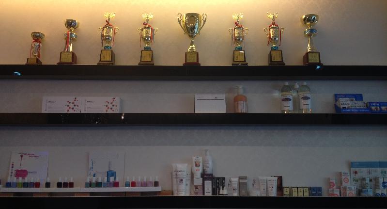 輝煌的得獎獎杯與超越業界的技術