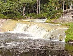 cachoeira berro dàgua.jpg