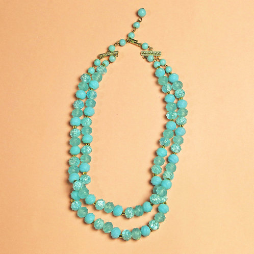 Vintage Turquoise Colored Plastic Bead Necklace