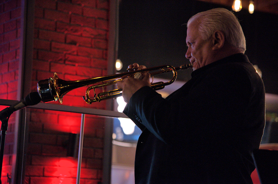 Bruce-Adams-Eclipse-muted-trumpet.png