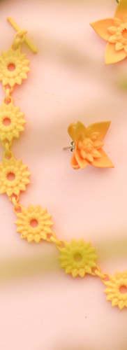 Dahlia chain bracelet with grass.jpg