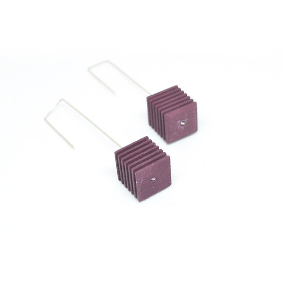 OUTLET - OPTICAL - Cube Earrings - Plum purple