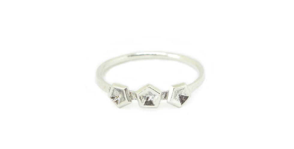 Three element ring- Vertigo mini
