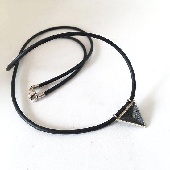 Introvert - Men's necklace with rubber