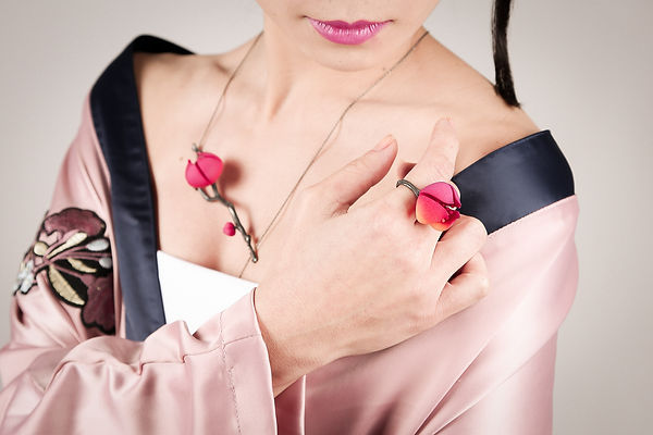 Bloom floral jewellery made of oxidised silver and 3D printed nylon