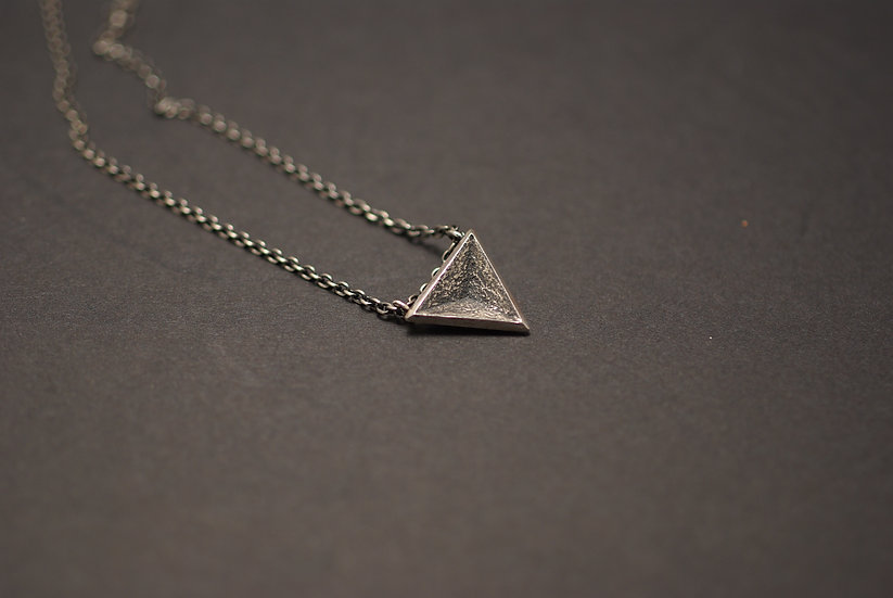 Introvert - Men's necklace