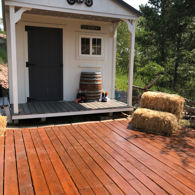 Straw bale accents