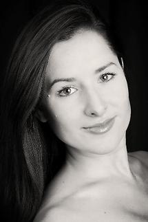 Adrianna-de-Svastich.png