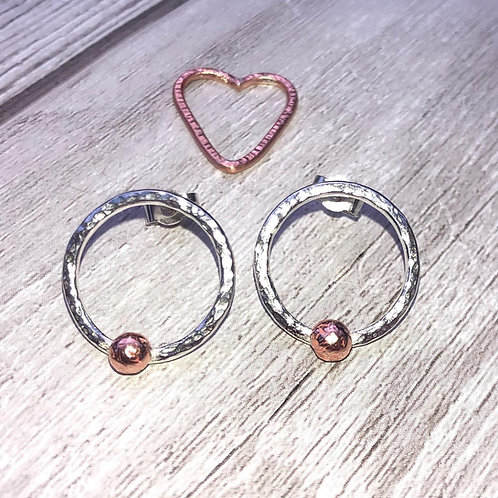 Hammered circle studs with copper balls