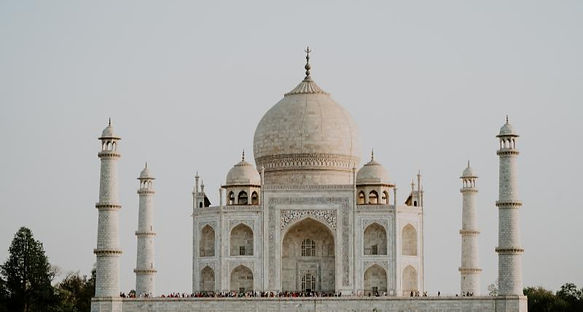 Taj Mahal in India - Top 5 Cheap Backpacking Places