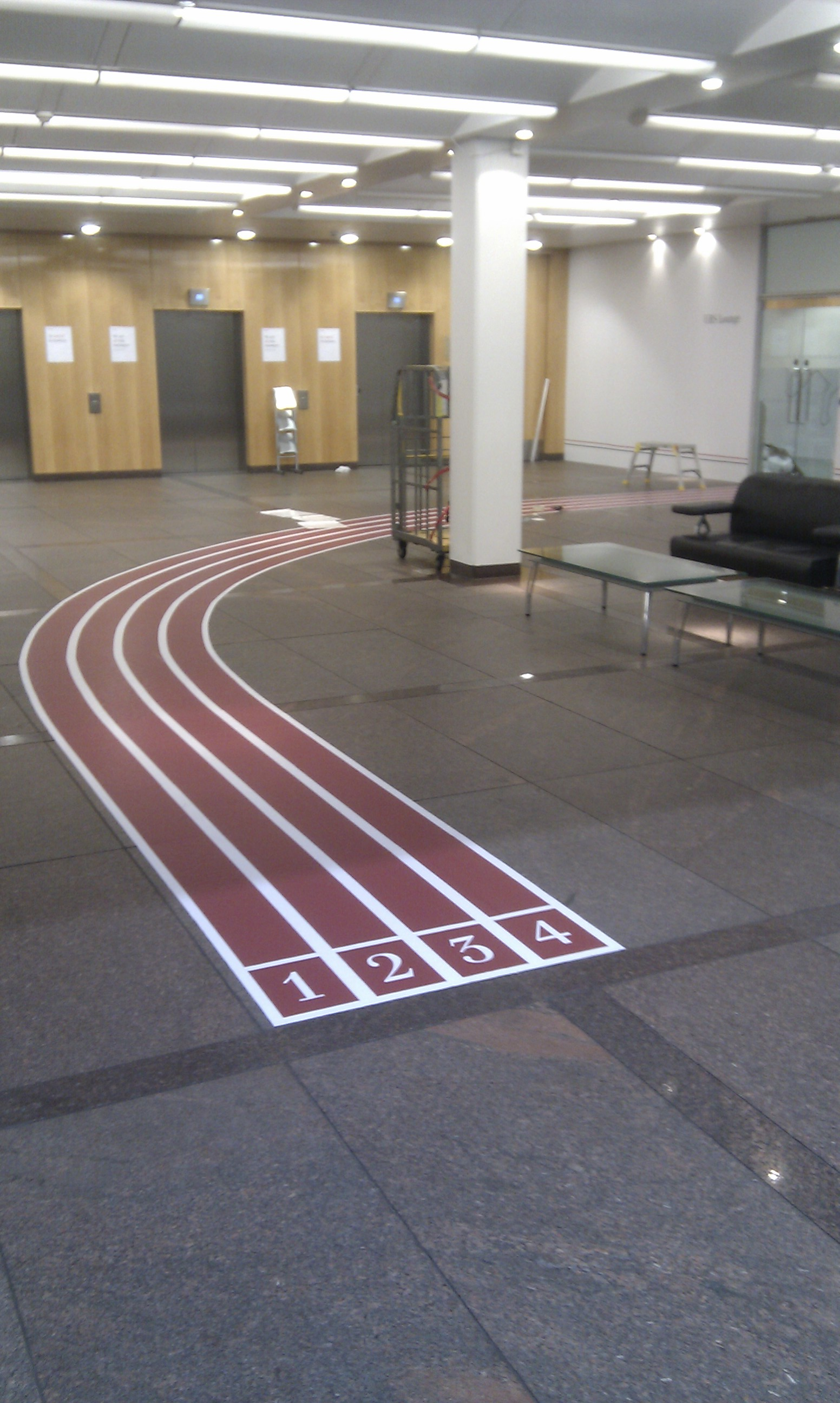 02-ubs_wall_floor_graphics_install_4_123