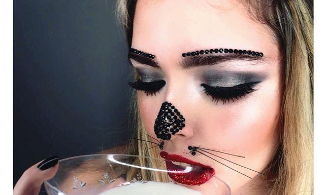 MMMMEOW 😻💋 __ 👅•#catwoman#makeuptutorial ✨purim✨ _מעוניינים באיפור לפורים_🎉 מהרו לשריין מקום!_איפור פנים, ציורי גוף ואפקטים מיוחדים.jpg