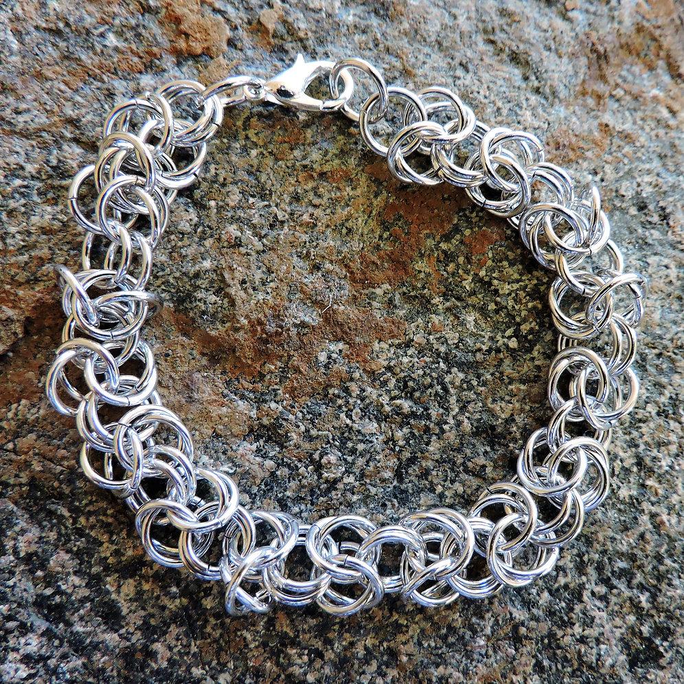 Byzantine chainmaille bracelet | greatglassjewelry