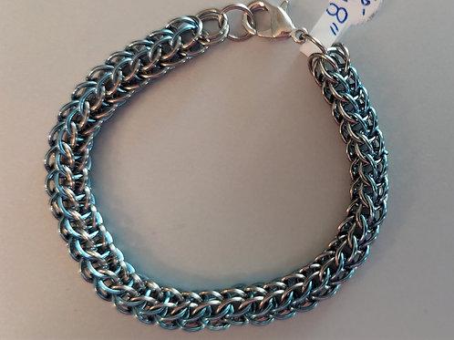 Niobium baby blue and silvery bracelet