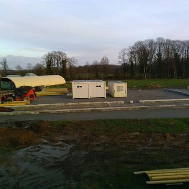 L'emplacement de la futur chèvrerie, les containers sont déjà en place.