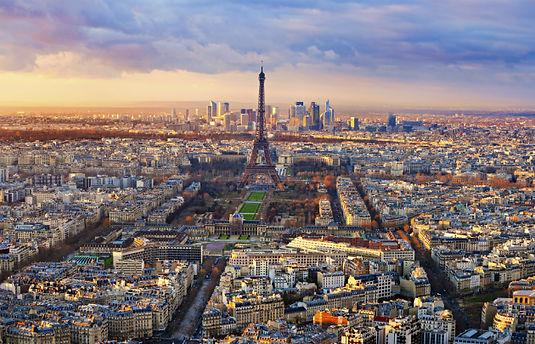 Vue-aérienne-Paris-Tour-Eiffel-coucher-d