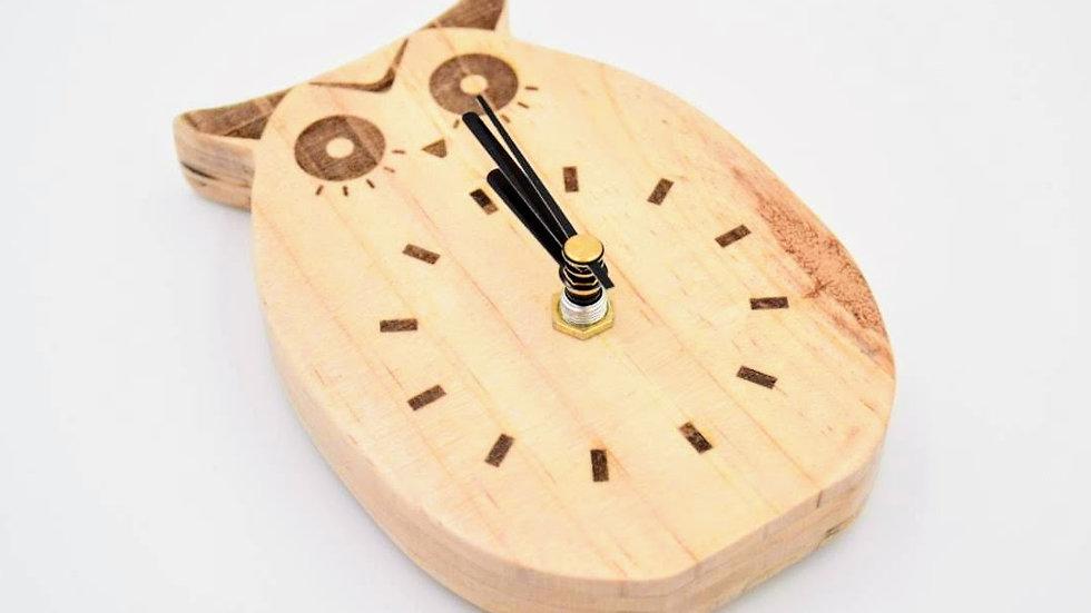 原始貓頭鷹木時鐘