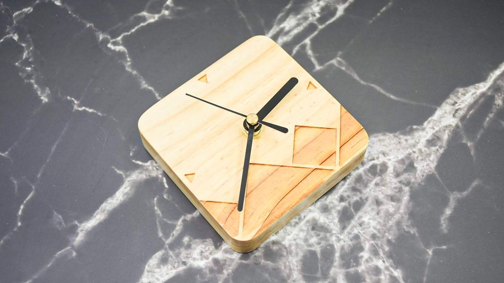幾何圖案木時鐘