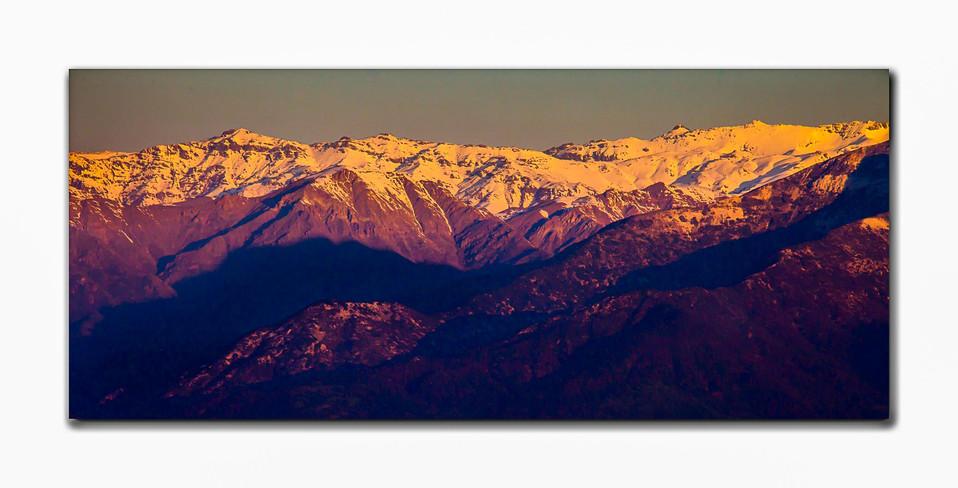 Montanhas Chilenas ao intardecer color.j