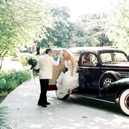 Elegant Waterfront Estate Wedding