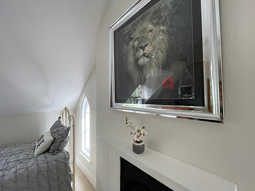 Mafia Lion on Chrome Scoop Frame 90x90cm
