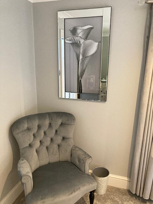 3 Lilly's on Mirrored Frame 100x60cm