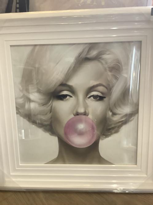 Marilyn Bubblegum on White Step Frame 55x55cm