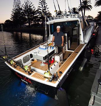 image-Dickey-Boats-Custom-850-Interior_e