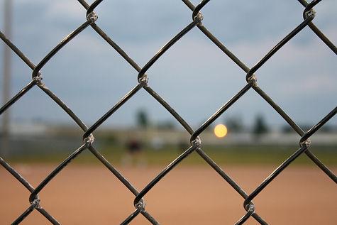 fence-454558_1920.jpg