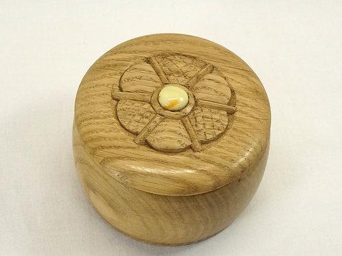 木の丸い小箱02