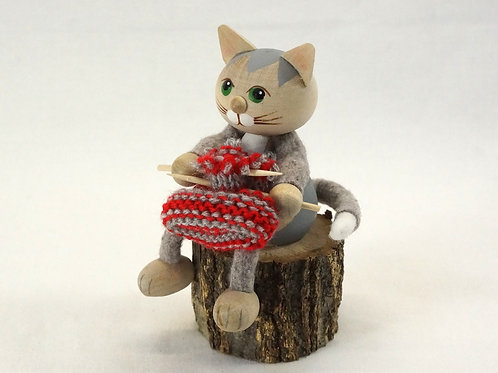 Kniting Cat03