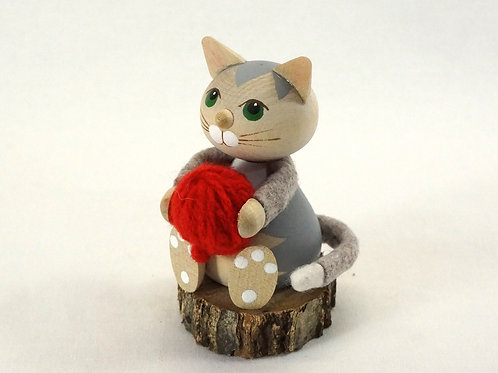 Kniting Cat02