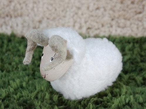 親羊のフィギュア(白)