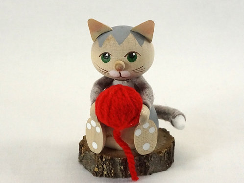 Kniting Cat01