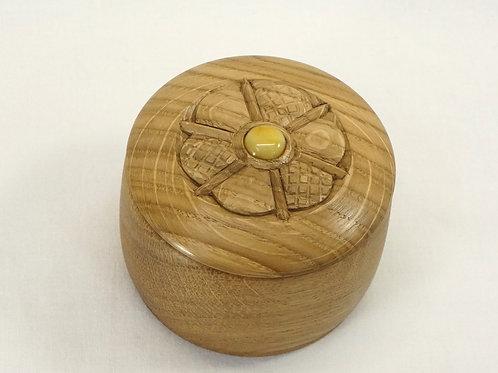 木の丸い小箱03