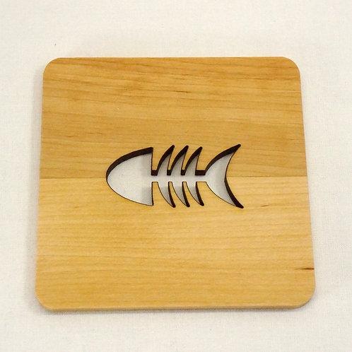 木のコースター_魚の骨